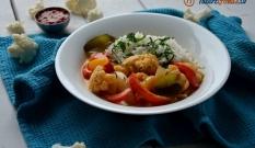 Curry warzywne z papryką i kalafiorem