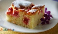 Puszyste ciasto z rabarbarem