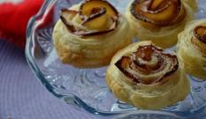 Francuskie ciasteczka różyczki z jabłkami